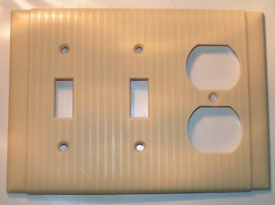 Vtg Uniline Bryant Ivory Art Deco ribbed Bakelite double toggle outlet Cover
