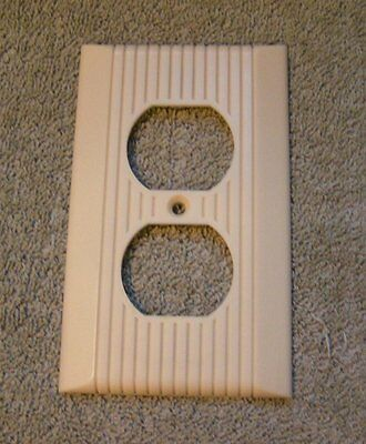 GVtg Ivory GE Art Deco Ribbed Center  Bakelite Outlet Switch plate Cover
