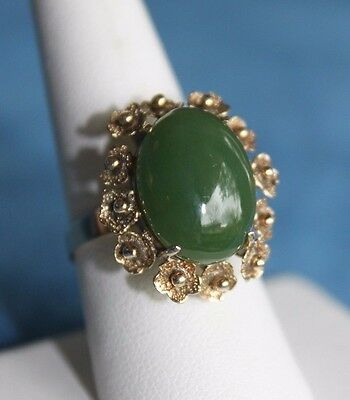 Beautiful Large Vintage 14Kt Gold Chinese Green Jade Size 8 Flower Border Ring
