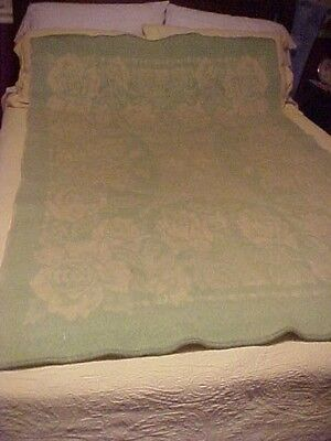 GOLDEN DAWN WOOL BLANKET, GREEN with ROSES DESIGN, REVERSES to CREAM