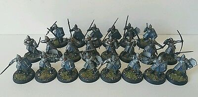 22 x Warriors of Minas Tirith mostly well painted plastic models LOTR The Hobbit