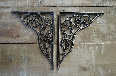 A pair of large antique curled vine brackets cast iron wall shelf bracket AL20