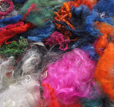 WASTE CURLY LOCKS OFF CUTS. 25g BAG. WOOL LOCKS WASTE. FELTING. SPINNING. CRAFTS