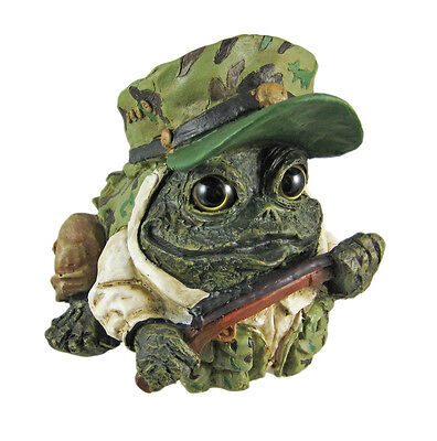 Toad Hollow Hunter Frog Statue Hunting Green Camo