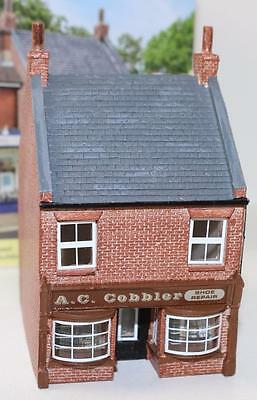 OO 1:76 scale Hornby Skaledale A.C Cobbler Shoe store R9830 New FNQHobbys