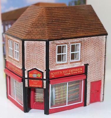 OO 1:76 scale Hornby Skaledale Scott's Toy Shop store R9829 New FNQHobbys