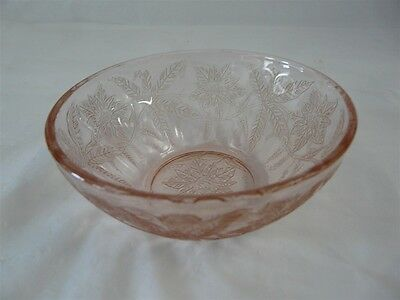 Jeanette Glass Co Depression Glass Floral / Poinsettia Pattern Fruit Bowl 4-1/8""