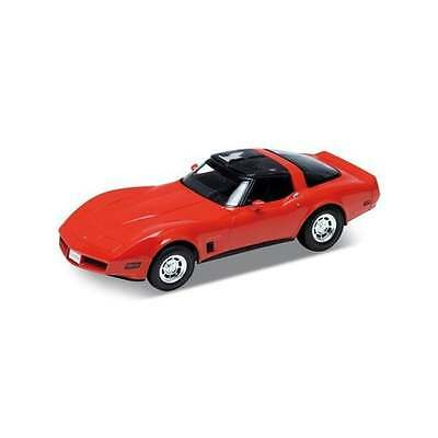 Welly Diecast Chevrolet Corvette 1982 Red - 1:18 Scale Diecast Car - 12546
