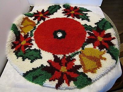Vintage Latch Hook Christmas Tree Skirt Poinsettia FINISHED 33' across