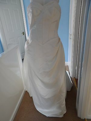 Stunning off white wedding dress with pearl & bead detail plus shawl size 12 ?
