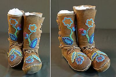 Very Fine 1930's Native American Cree Assiniboine Beaded Hightop Moccasins
