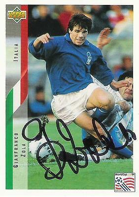 An Upper Deck World Cup USA 1994 card signed by Gianfranco Zola of Italy.