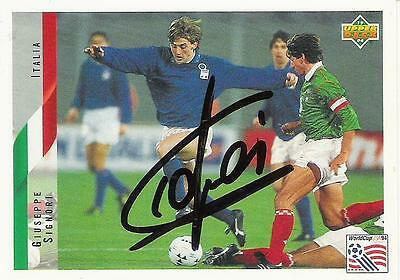 An Upper Deck World Cup USA 1994 card signed by Giuseppe Signori of Italy.