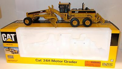 Construction equipment diecast vehicles toys games for Cat 24h motor grader