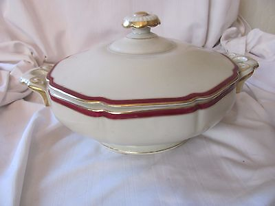 Heinrich Ivory Body Supreme 40's red band gold rim covered vegetable bowl 15504