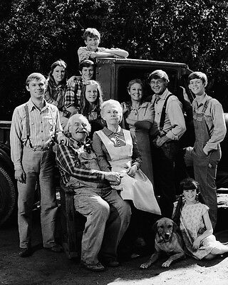 The Waltons Richard Thomas Michael Learned & cast from 4th season 8x10 Photo