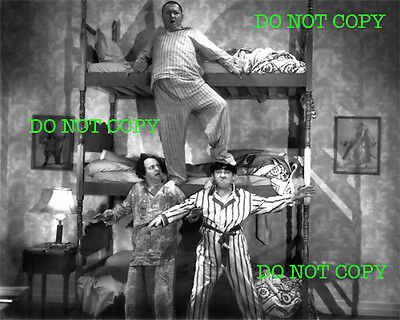 THREE STOOGES - 8x10 Photo - 3 STOOGES - BUNK BEDS