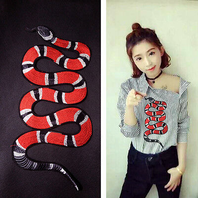 Snake Flower Pattern Cloth Embroidered Applique Patches Decor Sew on for DIY