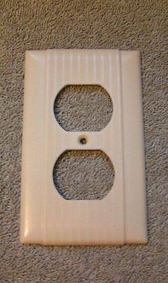 8 Vtg Ivory Uniline H&H ARROW Art Deco Ribbed Bakelite Outlet Switch plate Cover