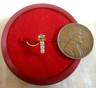 22K Gold Nose Pin 3 White Stones 1 Lt. Henna Trngle Rate Price Outfit mod #3612A