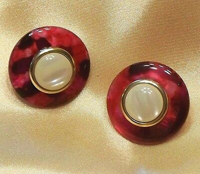 Round Red to Purple Marbled Faux Pearl Lucite Plastic Earrings L056