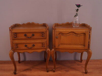 1076 !! Superb Oak Bedside Tables In Louis Xv Style !!
