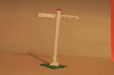 """Vintage Lead Toy - Sign Post """"to New York""""  - 100% Original Figure - R 354"""