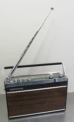 vintage portable radio - Kleines Nordmende Corvette 4 Band Kofferradio 1972-73