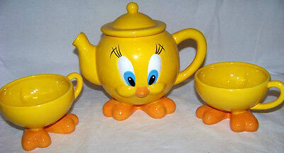 Warner Bros Tweety Bird Teapot With 2 Cups - Retired - All With Feet!!!