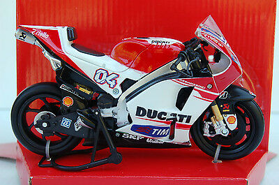 DUCATI DESMOSEDICI  DIVIZIOSO  2015 1/12th  MODEL  MOTORCYCLE
