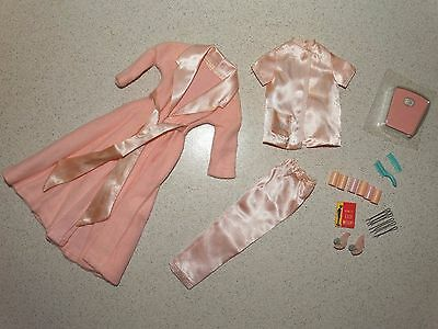 Barbie:  VINTAGE Complete SLUMBER PARTY Outfit!