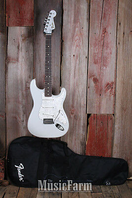 Fender® Special Edition Stratocaster Electric Guitar Strat White Opal w Gig Bag