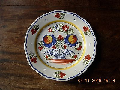 """Vintage French pottery Henriot Quimper 10"""" plate hand decorated"""