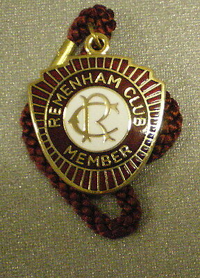REMENHAM CLUB MEMBER 2008 ENAMEL Badge with Cord HENLEY ON THAMES - ROWING