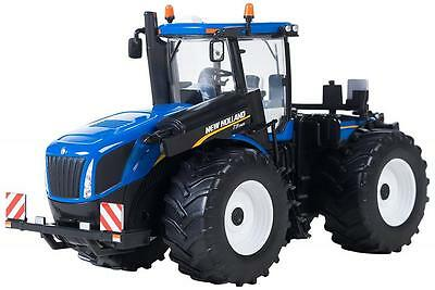 Britains 43008 Highly Detailed 1:32 Scale Authentic  New Holland T9.565 Tractor