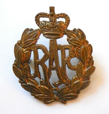 WW II era Royal Air Force Cap Badge Original Issue Very Good Condition