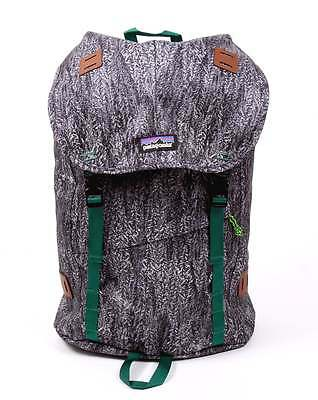 Patagonia Arbor 26L Backpack in Forestland Black - internal laptop compartment