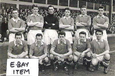 """MANCHESTER UNITED TEAM PHOTO  1950s   inc Duncan Edwards 6""""x4"""" REPRINT POST FREE"""
