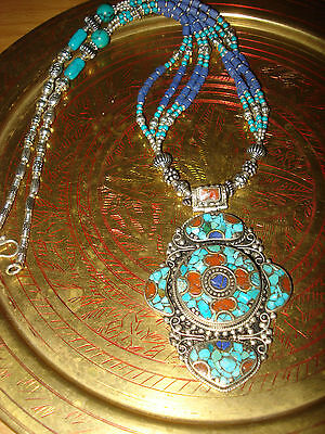 Edle Kette aus Nepal mit Türkis & Koralle/ Nepal necklace with turquoise & coral