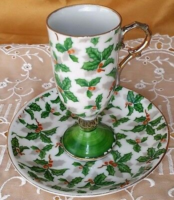 Vintage Christmas Inarco Japan Holly footed Irish Coffee Tea Cup & Saucer *et