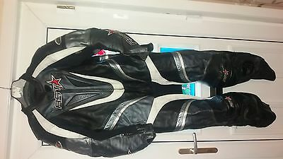 rst race leathers 1 piece size 44