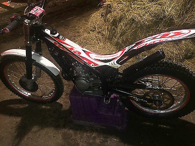 BETA EVO 80cc  TRIALS BIKE BIG WHEEL WITH LANYARD OWNED FROM NEW SUPER CONDITION
