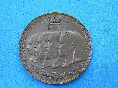 1837 - 1897 Queen Victoria 60th Jubilee Family Busts Medallion, BHM 3539, 32.1mm