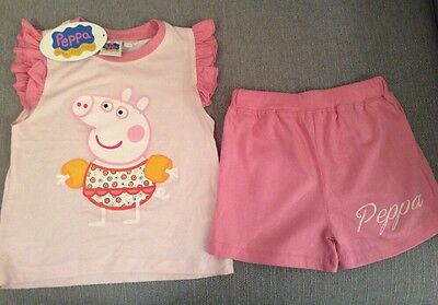 Girl's Shorts & T-Shirt Set In 'Peppa Pig' Design - Colour Pink Size Age 5 Years