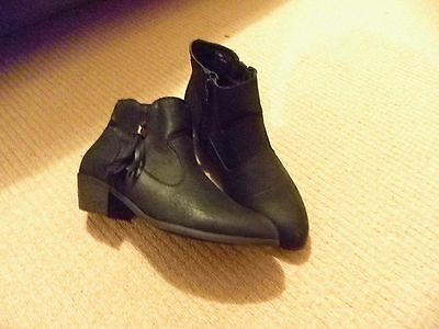 LADIES BLACK ANKLE BOOTS with SIDE TASSEL by GEORGE SIZE 5 NEW