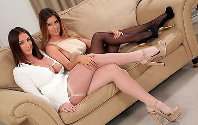 Stacey Poole & Shelley R 11x7 Photograph (9)