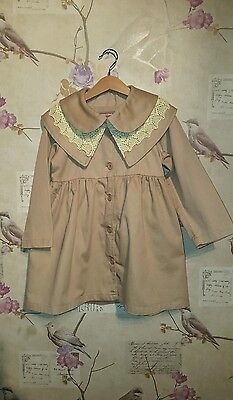 Beautiful designer beige embroidered coat 6-7 Yrs New