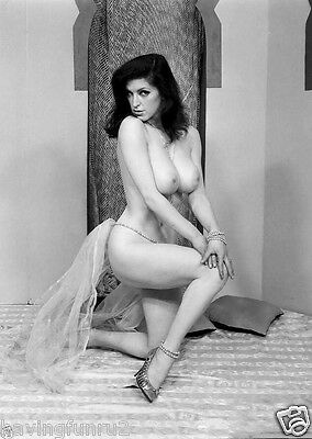 Nude 1964 Jackie Parker Posing  Very Big Breasts 8 x 10 Photograph