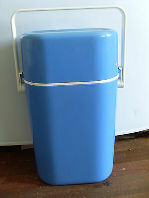 1980s INSULATED DECOR BYO DRINKS CARRIER * BLUE & WHITE *