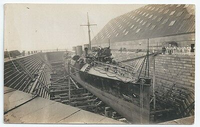 HMS GREYHOUND C-class Destroyer IN DRY DOCK + CREW Royal Navy Unused RP PC